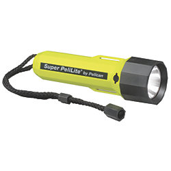 1800 BLK PELILITE XENON FLASHLIGHT
