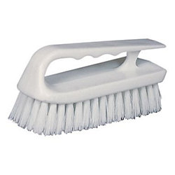 SCRUB BRUSH W/CURVED PLASTIC HANDLE